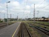 [LDz] Локомотивы 2М62-0737 следует ходом по 9. пути Ст. Рига-Пасс, и 2М62-1220, прибывает с остоновкой на 1. Путь Ст. Рига-Пасс.